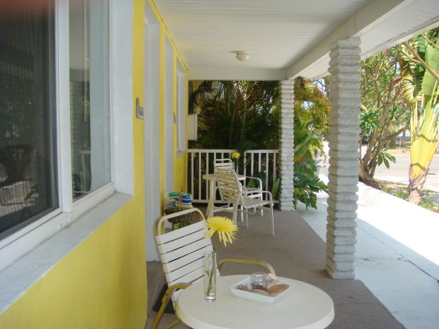 Pineapple Palm & Fishtail Palm Porch